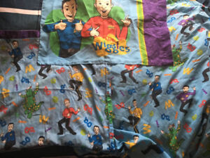 2003 Wiggles Twin Sized Complete Bed set