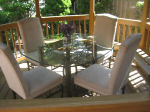 Bowring Dining Table + 4 Accent Chairs
