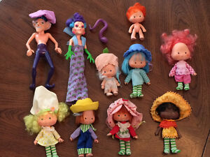 Vintage strawberry shortcake doll collection