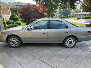 Toyota Camry 1999 LE 185km