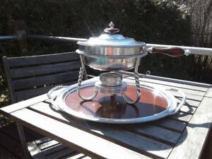 Vintage food warmer dish /Tray .. Réchaud/plateau