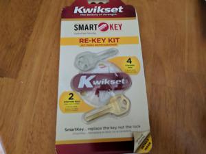 Kwikset SmartKey Re-keying Kit and Cylinder Reset Cradle