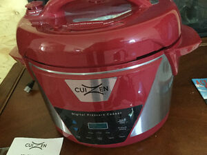 8 quart digital Pressure Cooker / Brand New