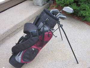 Junior Right Hand 5-pc Golf Clubs Set (Cadegear Maxxum) & Bag