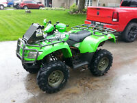 """ARTIC CAT 500 EFI WITH A WINCH, SNORKLE, AND 27"""" MUD TIRES !!!!!"""