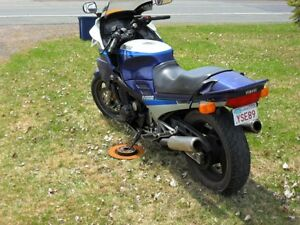 FJ Yamaha 1100 in 1200 skins.