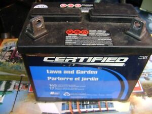 12 VOLT LAWN TRACTOR BATTERY NEW Sarnia Sarnia Area image 1
