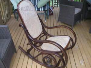 NICE SOLID CUTE ROCKING ROCKING CHAIR