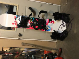 Girls snowboard, boots and bindings . Firefly 140