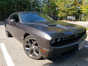2015 Dodge Challenger SXT Plus Coupe (2 door)