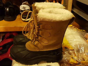Sorel | Buy or Sell Women's Shoes in Ontario | Kijiji