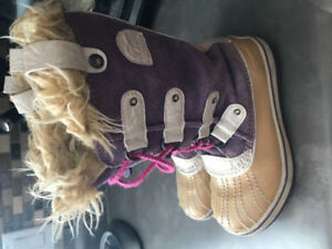 Girls Sorel boots size 1