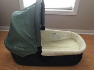 **EUC Uppababy Vista 2013/2014 Bassinet/Baby cot Only