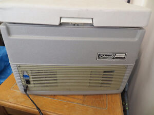 COLEMAN 40 QUART HOT/COLD THERMO ELECTRIC COOLER