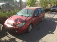 2001 Ford Focus Wagon -- starts up, great for parts