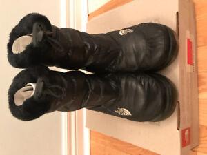 North face women's nuptse bootie fur winter boots size 6 $60
