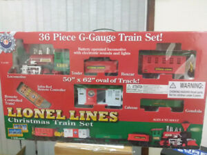 Lionel Lines Christmas Train Set, G-Gauge