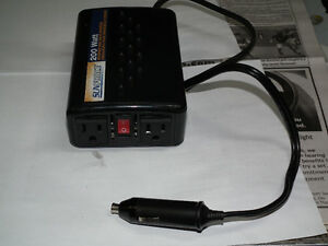 200 WATT INVERTER  12 VOLT TO 120 VOLT WITH PLUG . Windsor Region Ontario image 4