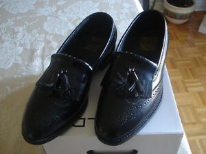 BRAND NEW LEATHER ITALY SHOES SIZE 9 1/2