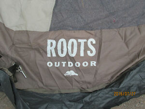ROOTS Screen House Tent