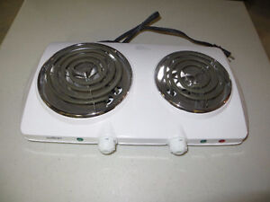 Salton 2 burner counter cooker Great for Students or small Apt.