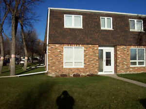 UPLANDS CONDO - 50 OAKVIEW DRIVE - $207,900