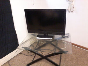 New DYNEX tv perfect condition, with VHS chord included