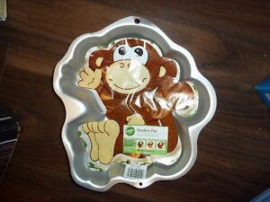 Monkey cake pan Gatineau Ottawa / Gatineau Area image 2
