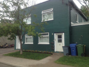 Mainfloor walkout 2 bedroom with laundry rm in unit in Lindsay O