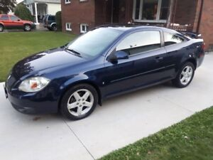2008 G5 COUPE  SUNROOF  AUTO  LOW KMS  A MUST SEE CAR !!!