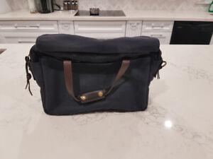 Filson Rugged Twill Padded Computer Bag - Great Condition