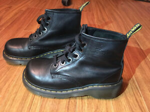 Women's Dr. Martens - Very Good Condition