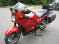 KAWASAKI CONCOURS 1000 cc  EXCELENT CONDITION