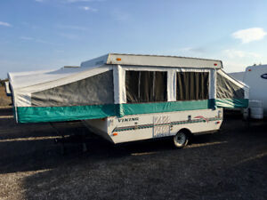 Viking 10' Pop Up Trailer *** Sleeps 8 ****