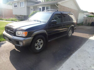 2000 Nissan Pathfinder 4x4 - AS IS