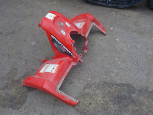 POLARIS SPORTSMAN 500 HO X2 2007 FRONT FENDER , GOOD USED COND