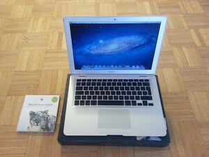 Apple Macbook Air A1237 1.6GHz 2GB 80GB Webcam Lion