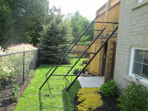 STEEL FRAME TO BUILD STAIRS