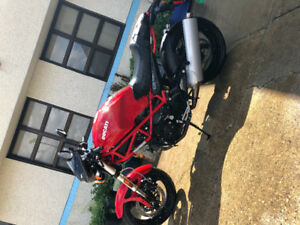 2007 Ducati monster 695 LOW KMS!