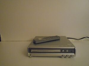 MAGNASONIC COMPACT DVD/CD PLayer