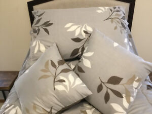 Swap for portable sewing machine a new twin headboard /comforter