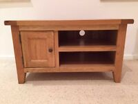 100% solid Oak TV stand - excellent quality