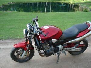 cb 900 aka Honda hornet