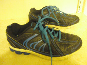 Boys' ATHLETIC WORKS Shoes (Size 3)