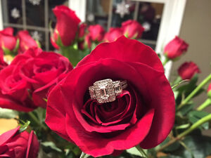 Gorgeous Diamond Engagement Ring from Spence - NEVER WORN