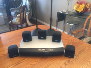 Bose surround sound entertainment system $800.00 TEXT OR EMAIL