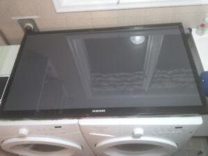 "51"" Samsung Plasma TV with Cracked screen"