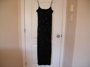 Ladies Size 9/10 Scene Long Dress...Made in Canada