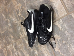 Nike Soccer Shoes Size 3