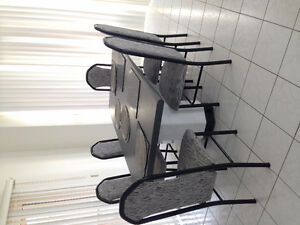 6 Unique kitchen Chairs In Excellent Condition!